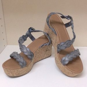 Coach and Four Wedges size 8.5